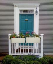 The Unique Features of Flower Pots for Balcony Railings